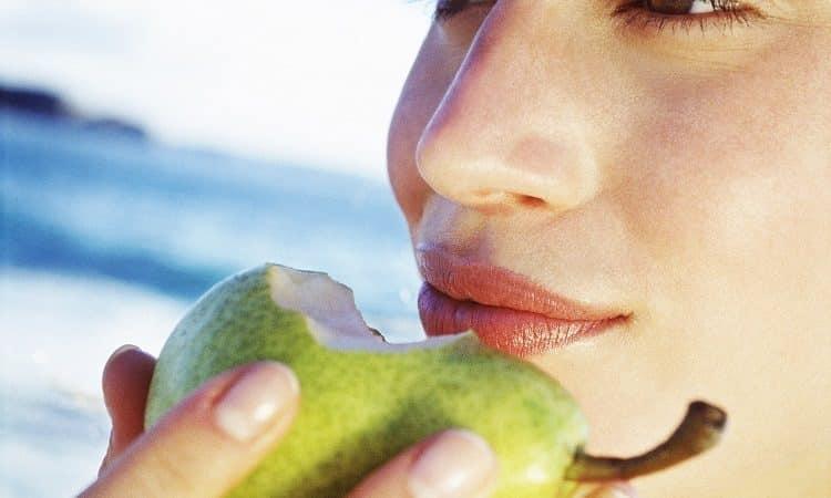 Польза и вред груши для женщин