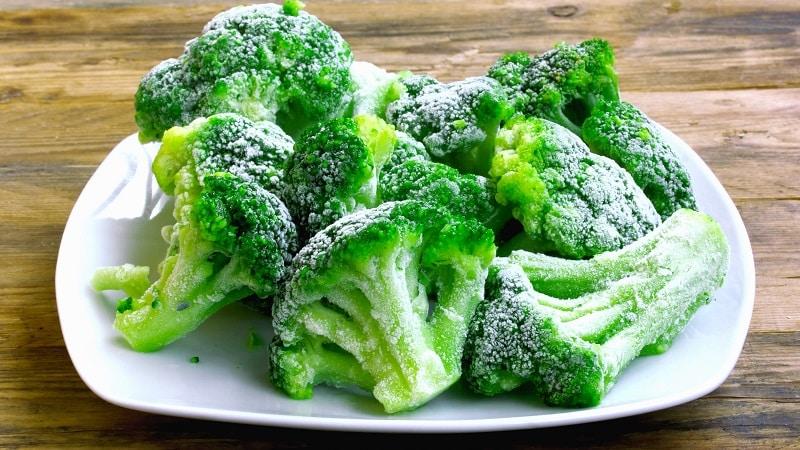 Когда собирать и как хранить капусту брокколи