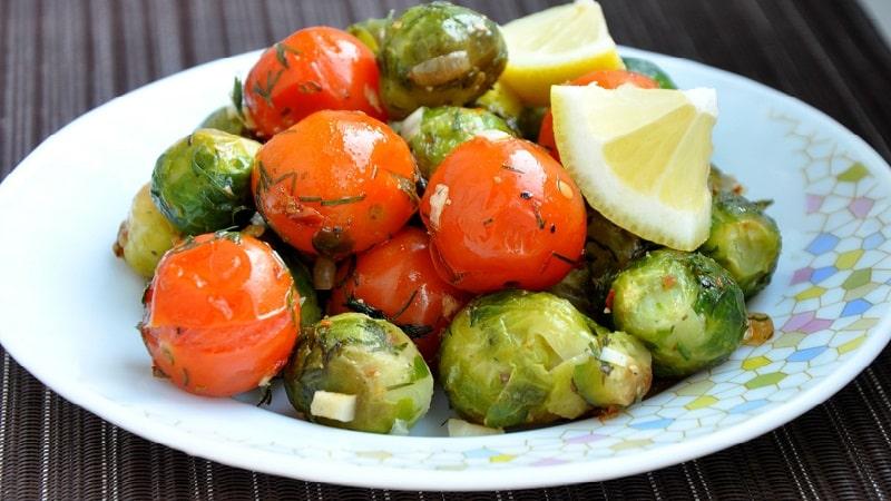 Топ лучших рецептов заготовок из брюссельской капусты, которые съедаются моментально