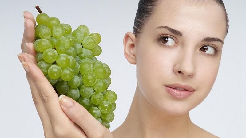 Вред и польза винограда для организма женщины
